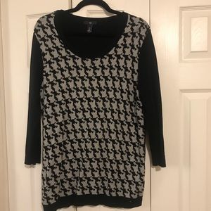 Grey & Black Houndstooth Gap Sweater